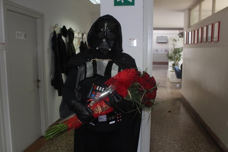 Darth Vader roses :